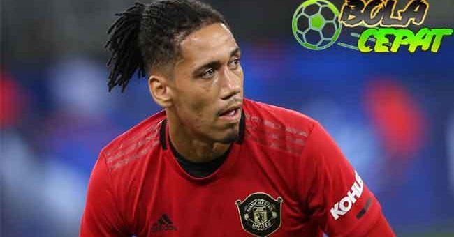 Manchester United vs Roma: Chris Smalling Menebar Ancaman pada Sang Mantan