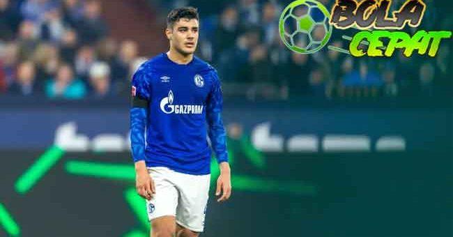 Liverpool Tolak Tawaran Murah untuk Rekrut Ozan Kabak